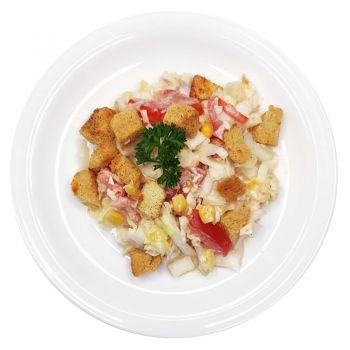 Салат из овощей с курицей и сухариками (вес)
